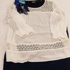 Solitaire 1X Off White Beige Flower Tunic Top